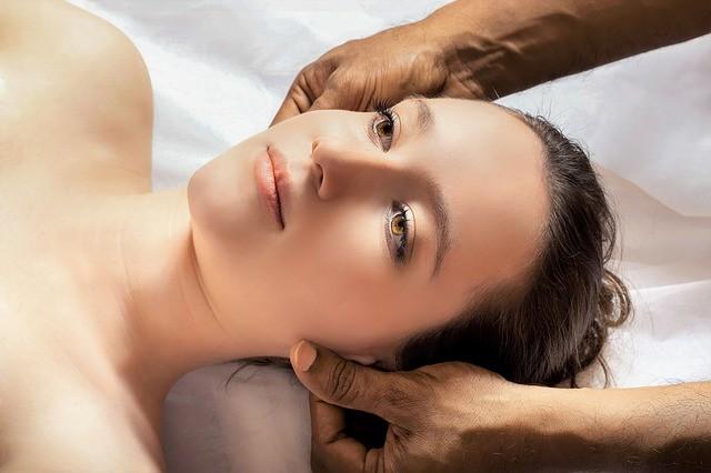 head massage 3530560 640